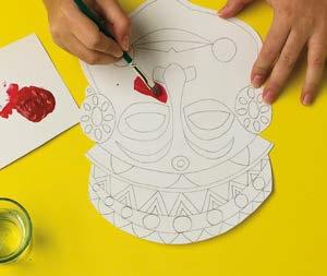 Etape atelier masques ethniques par Art Kids Company